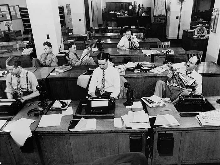 1014px-The_New_York_Times_newsroom_1942