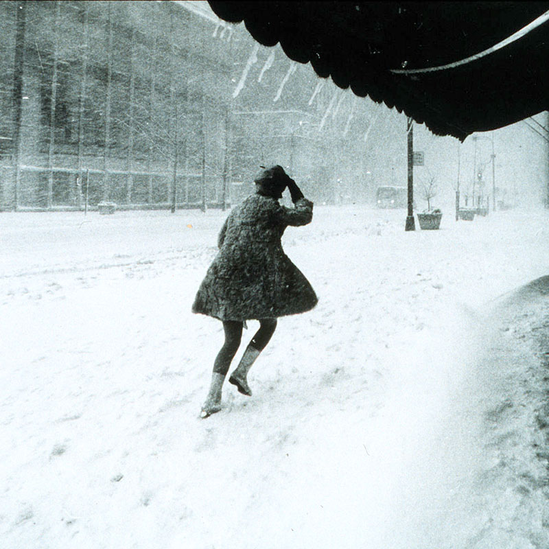 1024px-Miniskirts_in_snow_storm
